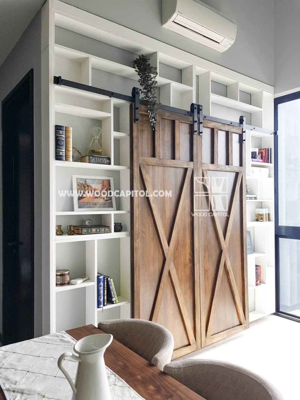 Wood Capitol Dual Sliding Barn Door